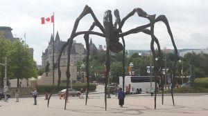 Maman in Ottawa (septiembre 2014)