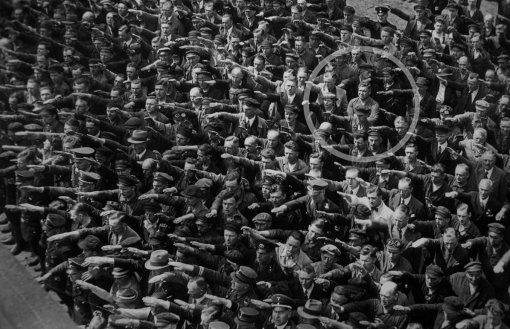 August-Landmesser-Almanya-1936 (ampli) copia